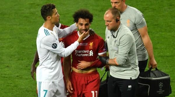 La tristeza de Salah al retirarse del campo de juego.