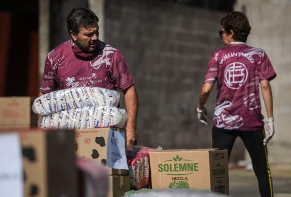 El fútbol, comprometido en la lucha contra la pandemia. (Foto: Getty)