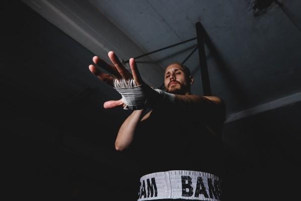 Nicolás Masseroni habría sufrido una lesión y está fuera de la pelea ante Chávez Jr.